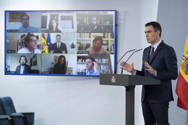 Comparecencia del presidente del Gobierno de España, Pedro Sánchez, para anunciar las últimas medidas tomadas por su ejecutivo y la prórroga del estado de alarma en plena crisis del Covid19, el día en el que han permitido salir a hacer deporte  individual