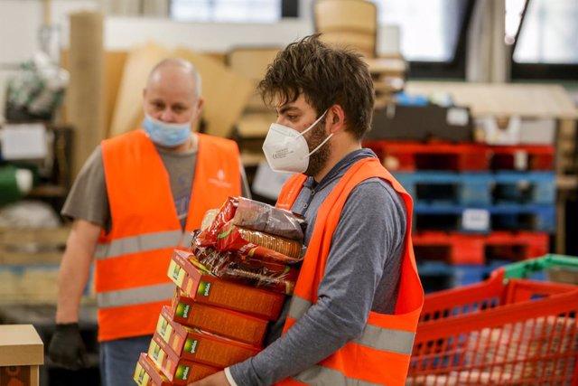 Coronavirus.- Se multiplican las peticiones de ayuda alimentaria a ONG y se redu