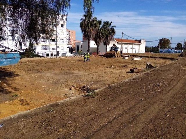 Huelva.- Arrancan las obras en la barriada del Carmen para crear un gran espacio público y caminos hasta el Conquero