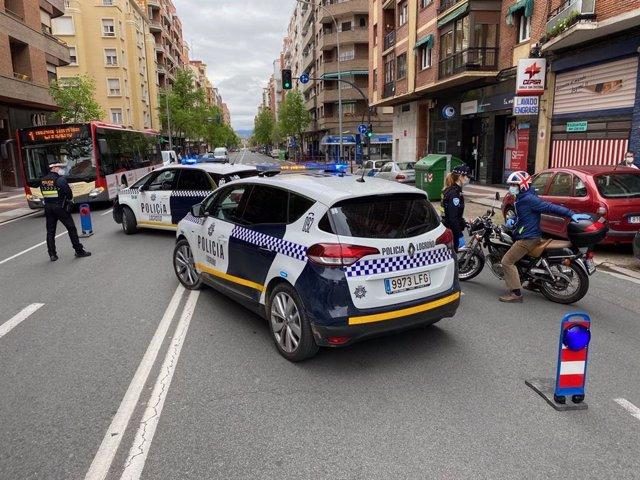 Control policial en Vara de Rey de Logroño