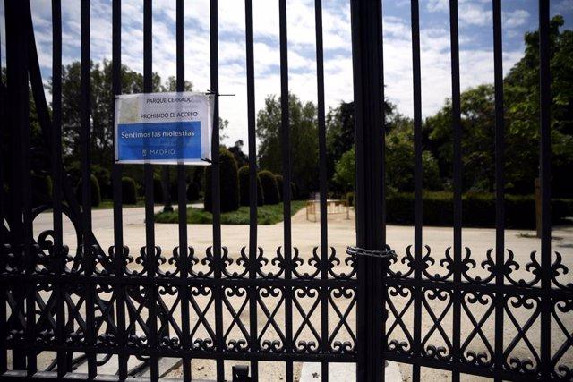 Puerta del Parque del Retiro.