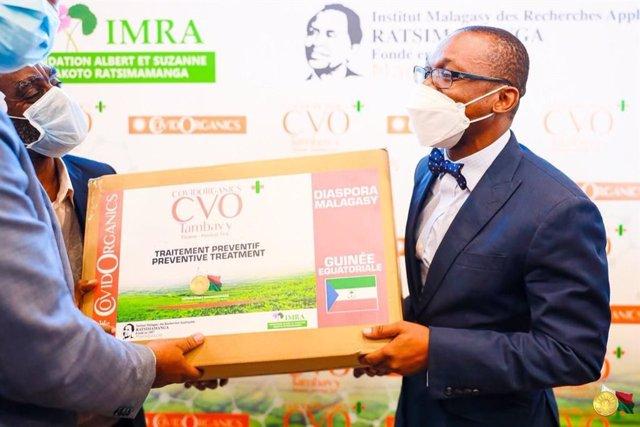 Coronavirus.- El Gobierno de Guinea Ecuatorial importa un remedio tradicional de