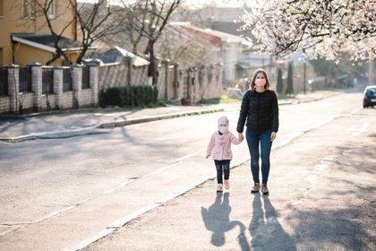 7 tips de Harvard para salir de casa con niños y evitar rebrotes
