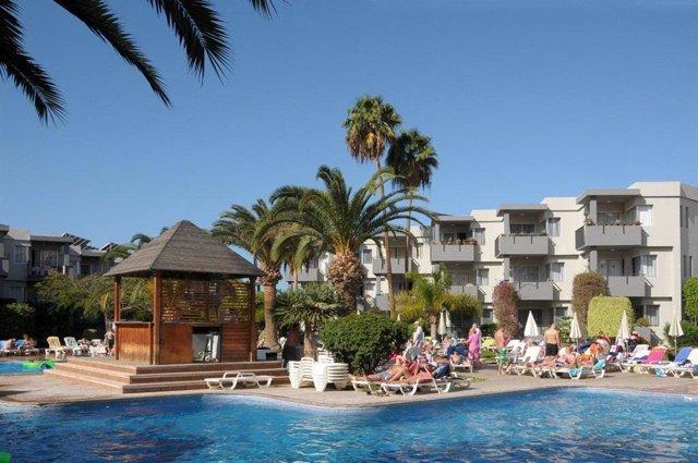 Bloque de apartamentos en el sur de Tenerife