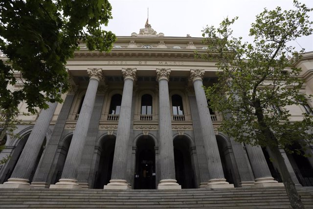 Fachada del edificio de la Bolsa de Madrid