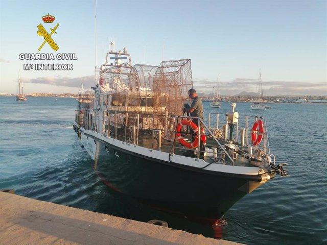 Sucesos.- Intervienen 14 nasas ilegales en el litoral del sureste en Lanzarote