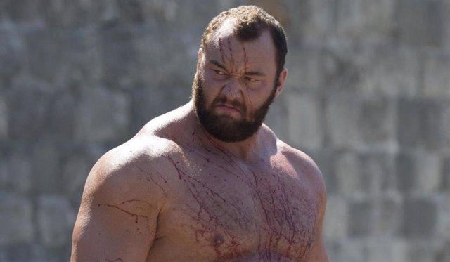 Uno de los personajes más llamativos de Juego de tronos es La Montaña, el colosal guerrero al que da vida Hafthór Julius Björnsson.