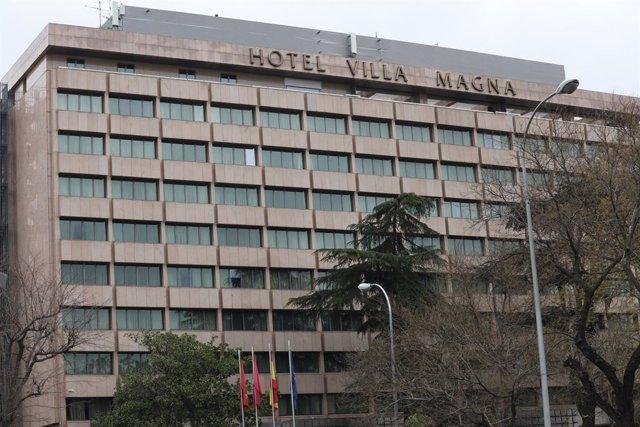 El Hotel Villa Magna y su dueño donan 20.000 euros a la Universidad de Alcalá pa