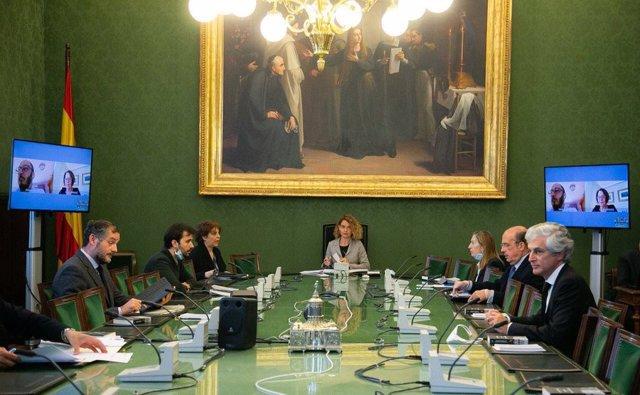 Reunión de la Mesa del Congreso, bajo la presidencia de Meritxell Batet y con intervenciones vía telemática