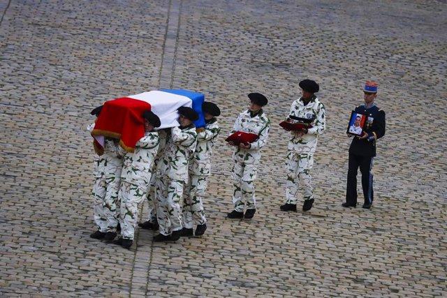 Homenaje del Estado francés a los soldados franceses caídos en operaciones militares en Malí, celebrado en París en diciembre de 2019.