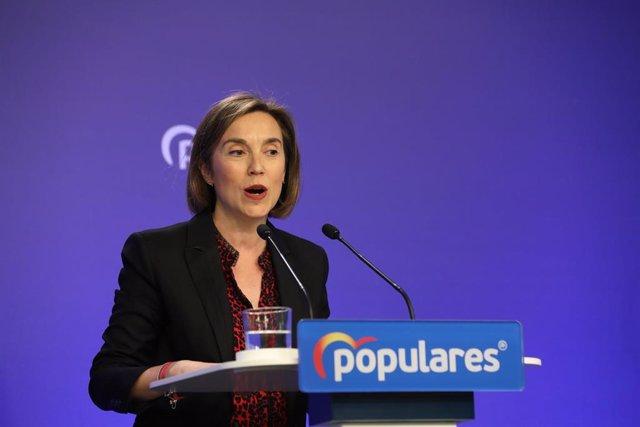 La vicesecretaria de Política Social del Partido Popular, Cuca Gamarra, durante una rueda de prensa