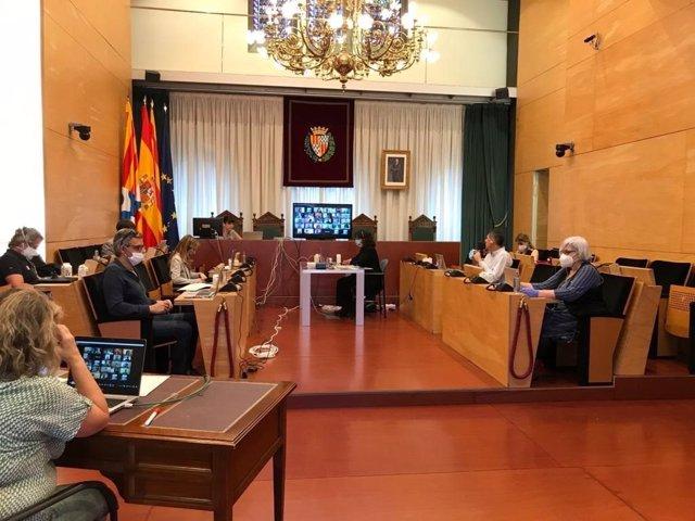 Ple extraordinari de l'Ajuntament de Badalona per acceptar la renúncia d'Álex Pastor.
