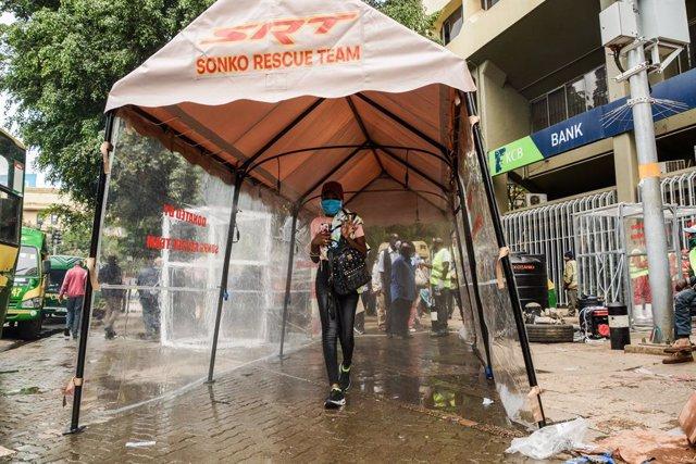 Coronavirus.- Más de la mitad de los africanos temen quedarse sin dinero por el