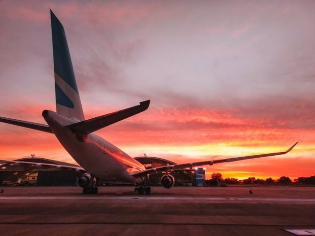 Las Aerolineas Argentinas y Austral se fusionarán en una sola compañía aérea
