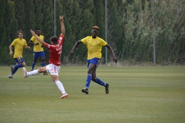 Fútbol.- El TAS concede al Cádiz la suspensión cautelar de la sanción FIFA por e