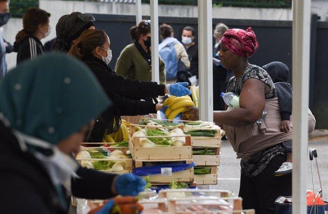 Coronavirus.- Francia constata un ligero repunte del número de muertos tras regi