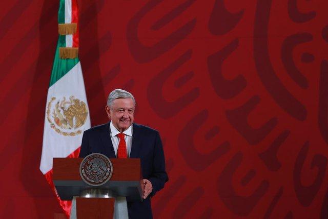 México.- López Obrador avanza que planteará a Trump la posibilidad de regulariza