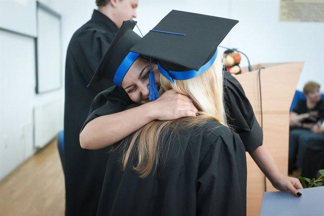 La ceremonia de graduación del curso 2020 se celebra en YouTube