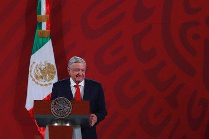 AMP.- México.- López Obrador planteará a Trump la posibilidad de regularizar la situación de los mexicanos en EEUU