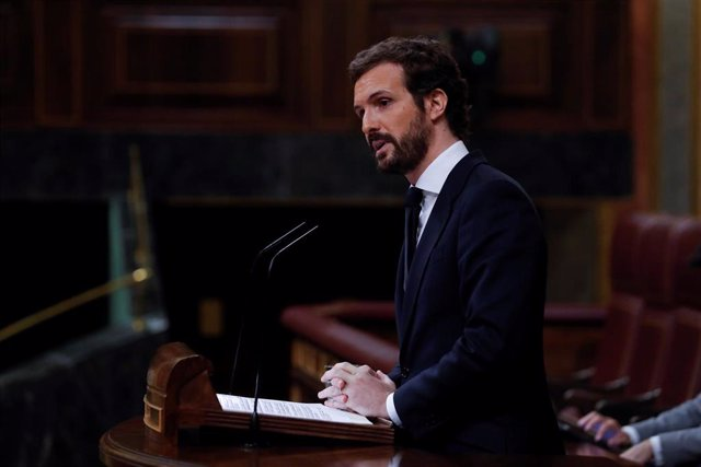 El líder del PP, Pablo Casado, durante su intervención en el pleno del Congreso este miércoles donde se autorizará otra prórroga del estado de alarma solicitada por el Gobierno. En Madrid, (España), a 6 de mayo de 2020.