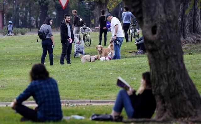 Coronavirus.- Chile suma otros mil casos de coronavirus en un día elevando el to
