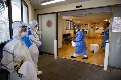 """El panel de expertos de Israel sobre el coronavirus dice que la pandemia ha sido """"detenida"""" y está """"bajo control"""""""