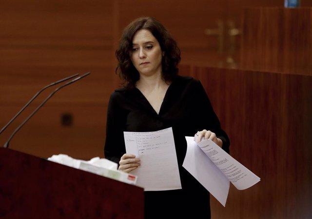 La presidenta regional, Isabel Díaz Ayuso, durante su intervención ante el pleno de este miércoles de la Asamblea de Madrid ante el que comparece para informar sobre su gestión de la crisis del coronavirus. En Madrid (España), a 29 de abril de 2020.