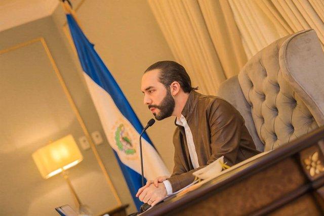 Coronavirus.- El Salvador suspende el transporte público durante los 15 días de