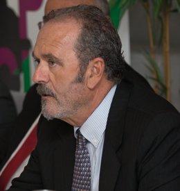 El decano del Colegio de Procuradores de Málaga, Antonio López.