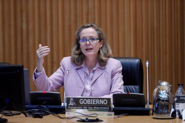 La vicepresidenta tercera y ministra de Asuntos Económicos, Nadia Calviño, comparece en el Congreso