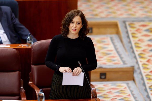 La presidenta de la Comunidad de Madrid, Isabel Díaz Ayuso interviene en el pleno de la Asamblea de Madrid este jueves.
