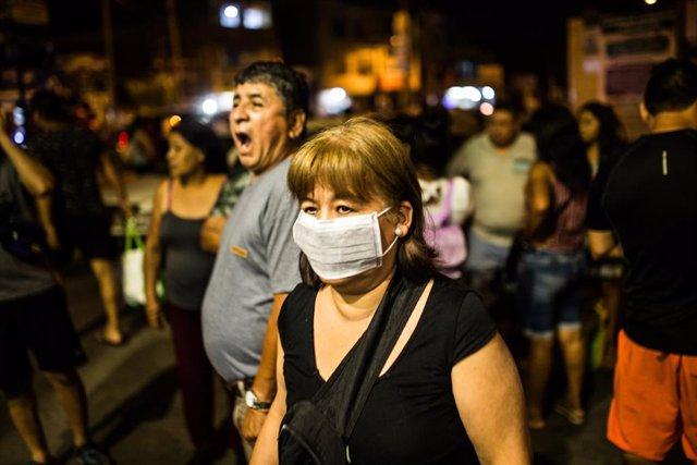 Las autoridades peruanas alertan de los crímenes y violaciones contra las mujeres durante la cuarentena por la pandemia de Covid-19.