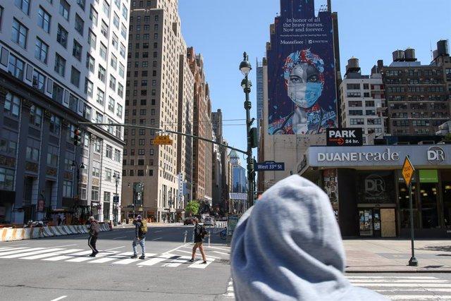 Coronavirus.- Nueva York confirma 231 muertos más por coronavirus pero destaca e