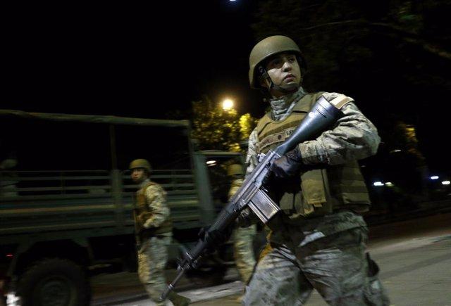Coronavirus.- Chile anuncia un despliegue de 14.000 soldados y policías para hac