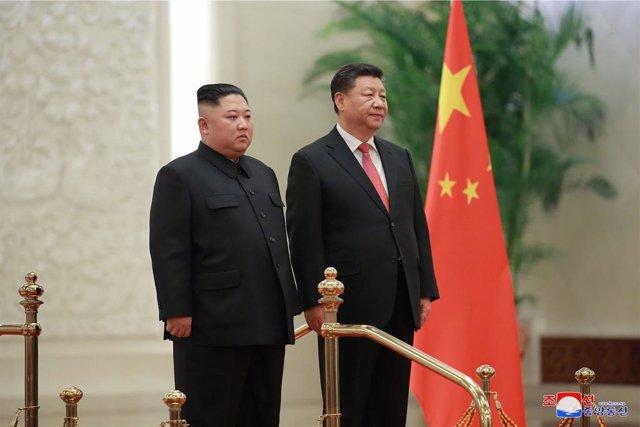 """Coronavirus.- Kim Jong Un felicita a Xi Jinping mediante un """"mensaje verbal"""" por"""