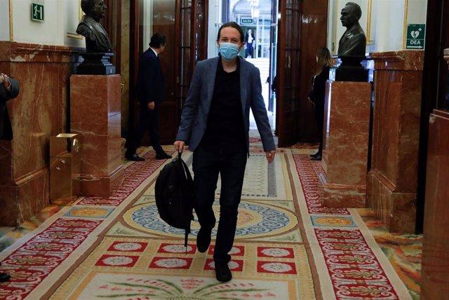 El líder de Unidas Podemos, Pablo Iglesias, a su llegada al pleno del Congreso