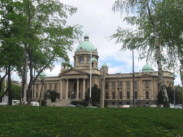 Serbia.- Al menos quince arrestados tras un altercado en el Parlamento de Serbia