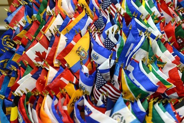 Economía.- BID y Banco Mundial firman un acuerdo para la dependencia mutua en co