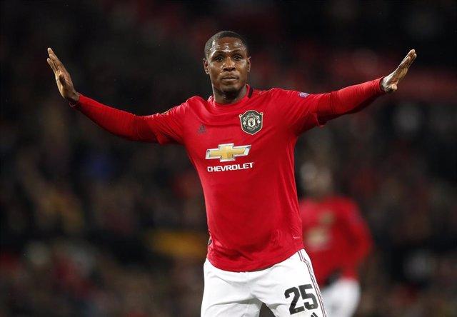 """Fútbol.- Ighalo pide al Shanghai Shenhua """"terminar la temporada en el Manchester"""