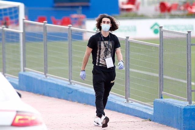 """Fútbol.- El Nápoles responde a Ángel Torres sobre Cucurella:""""De Laurentiis no sa"""