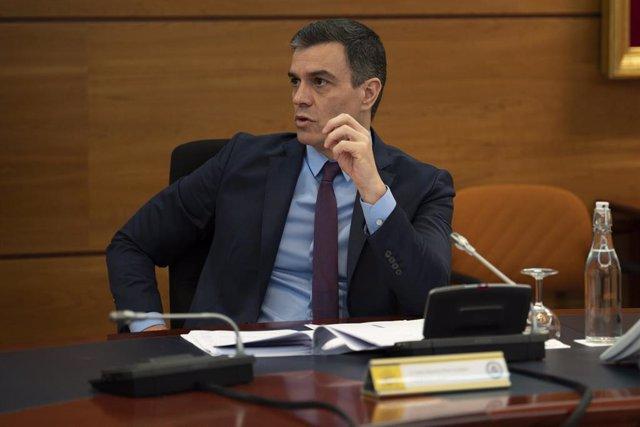 El presidente del Gobierno, Pedro Sánchez, durante la reunión del Consejo de ministros extraordinario, que convalidará la cuarta prórroga del estado de alarma hasta el 23 de mayo, en Madrid (España), a 8 de mayo de 2020.