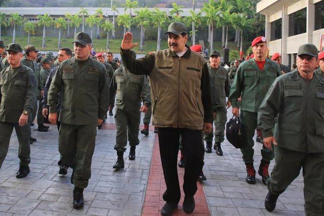 El presidente de Venezuela, Nicolás Maduro, y el ministro de Defensa venezolano, Vladimir Padrino.