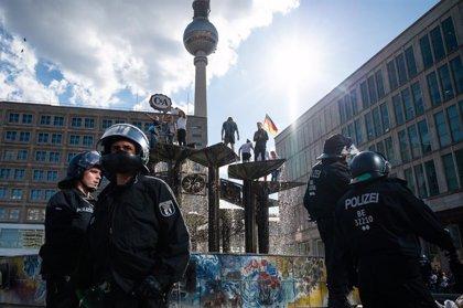 Coronavirus.- Alemania registra el menor número de muertos diarios desde marzo entre protestas contra las restricciones
