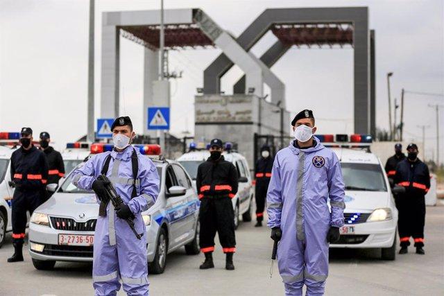 Coronavirus.- Egipto reabrirá el martes el paso de Rafá para que regresen los pa