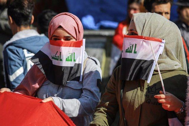 Irak.- Cientos de manifestantes exigen reformas al nuevo Gobierno de Irak