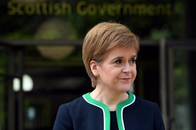 Coronavirus.- Sturgeon se desmarca de toda propuesta del Gobierno británico para