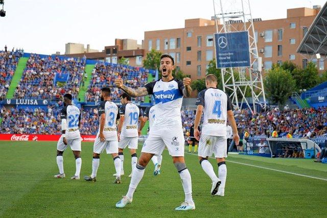 Fútbol.- La plantilla del Deportivo Alavés acuerda reducir sus salarios por la c