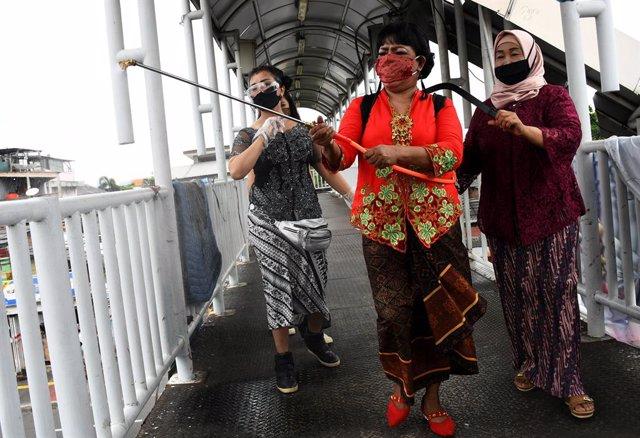 Coronavirus.- Indonesia supera los 14.000 casos de contagio por Covid-19