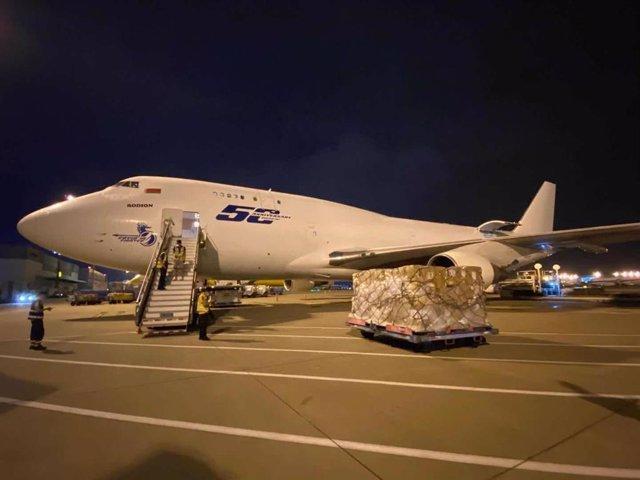 Llegan otros dos aviones con 31 toneladas de material sanitario