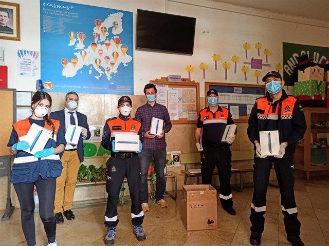Reparto de 557 tablets a alumnos de Jaén.